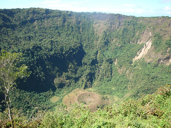600 Кратер вулкана Сан-Сальвадор