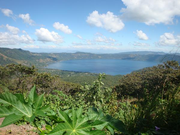 600 Озеро образовавшееся в кратаре вулкана Коатепеке