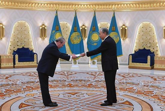 01 Казахстан 550
