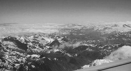 06 Вид на Анды с самолета на маршруте Сантьяго-де-Чили – Мендоса (фото автора) 550